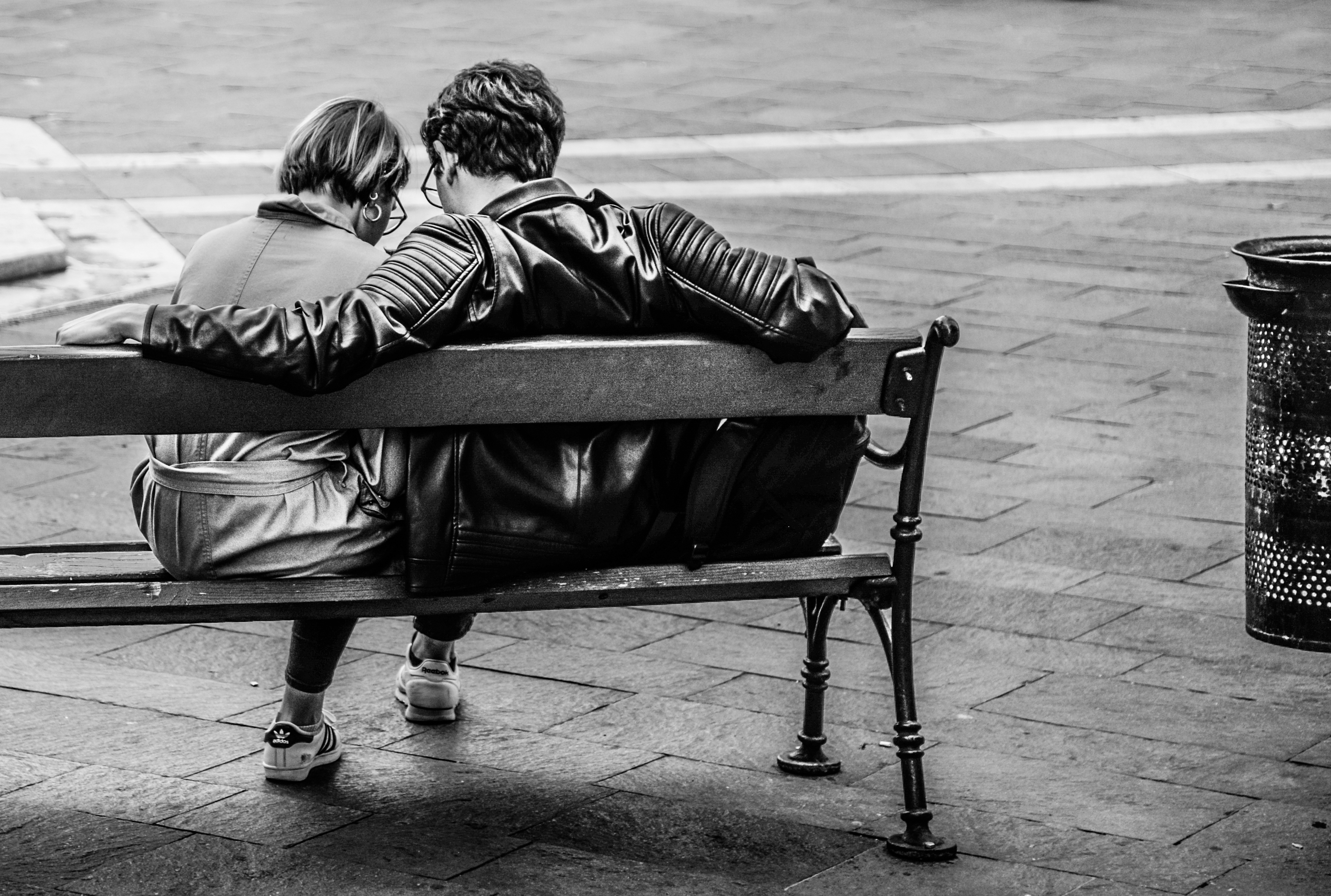 people-bench-sitting-black-and-white-602218.jpeg (4125×2779)
