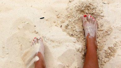 Photo of تفسير حلم رؤية الجلوس على الرمال