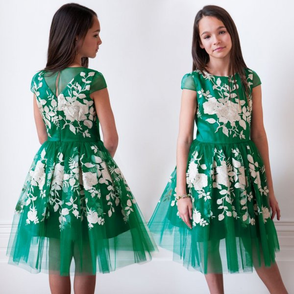 fd750f075 صور فستان اليوم الوطني للاطفال 1440 , ازياء بنات بمناسبة اليوم الوطني 88 ,  فستان اخضر للاطفال - مجلة رجيم