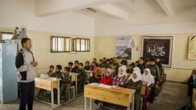 Photo of اليمن: الإمارات والسعودية تدعمان رواتب المعلمين بـ 70 مليون دولار