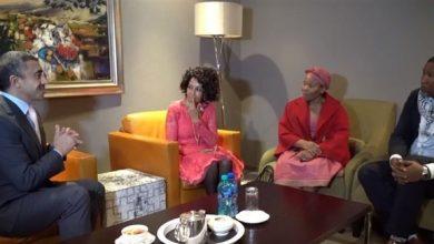 Photo of بالفيديو  عبدالله بن زايد يكرم عائلة رئيس جنوب أفريقيا الأسبق نيلسون مانديلا