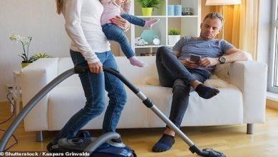 Photo of تطلب موظفة لتعليم زوجها الكسول كيفية القيام بالأعمال المنزلية