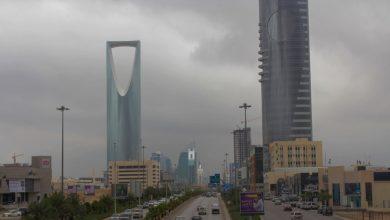 """Photo of """"الأرصاد"""": أمطار غزيرة ورياح نشطة على معظم مناطق المملكة.. السبت"""