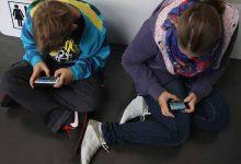 Photo of دراسة تحذر الأطفال المستخدمين للهواتف الذكية من القلق والاكتئاب