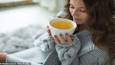 Photo of دراسة: تناول الشاي والتوت يقي من أمراض القلب