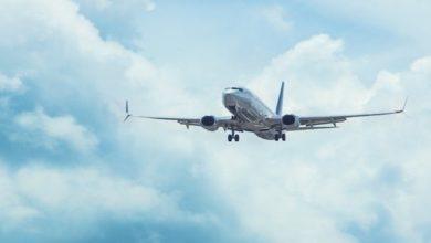 Photo of ماذا يحدث إذا توفي أحد الركاب في الطائرة؟