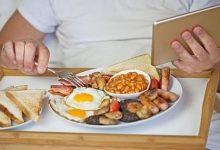 Photo of النظام الغذائي الغني بالدهون يقلل من احتمال الإصابة بالخرف