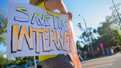 Photo of الإنترنت أكثر الوسائل انتهاكاً للخصوصية internet privacy activists