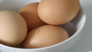 Photo of لماذا عندما نضرب بيضتين ببعضهما تنكسر بيضة واحده فقط ؟