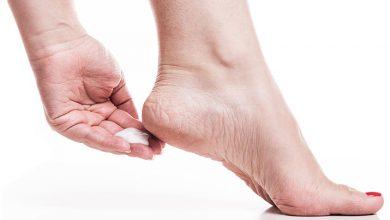 Photo of وصفات فعالة وبسيطة تخلصك من تشقق القدمين في دقائق