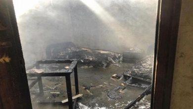 Photo of السيطرة على حريق شب بمنزل في أم القيوين دون إصابات