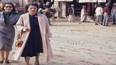 Photo of صورة سيدتين تتسوقان في الخبر تخطف إعجاب المغردين