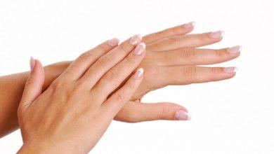 Photo of وصفات طبيعية لتنعيم اليدين والتخلص من خشونة اليدين في المنزل