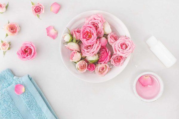 صور استخدمات ماء الورد