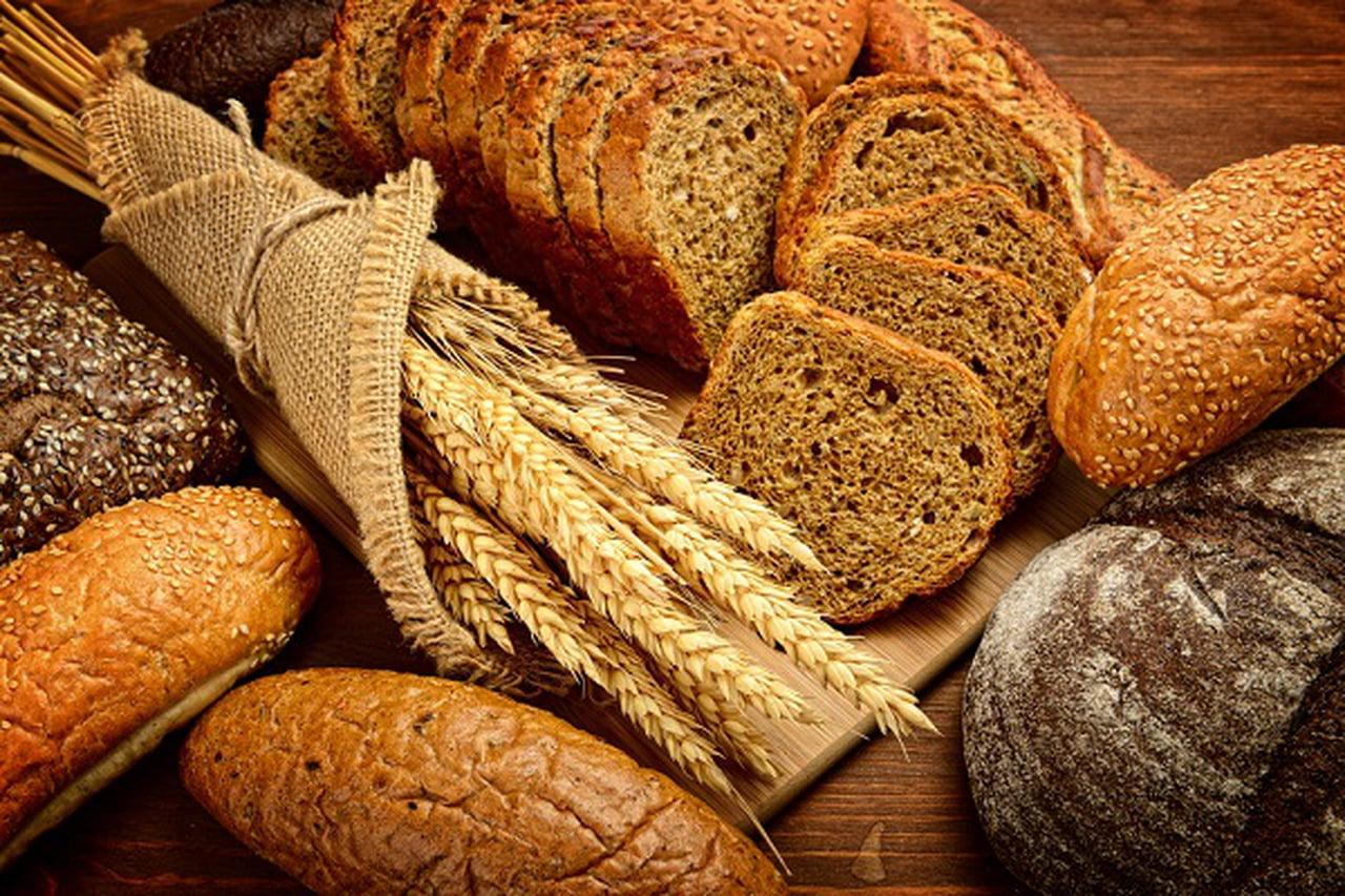 طريقة عمل الخبز الاسمر الصحي في المنزل