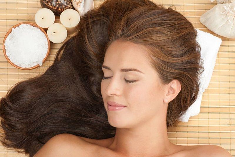 طريقة عمل سيروم الشعر التالف في المنزل