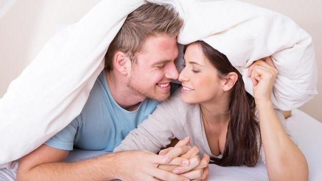 """نصائح سحرية تجعل زوجك أكثر رومانسية ظ†طµط§ظٹظ""""ط-ط³طط±ظٹط©-طھط¬ط¹ظ""""-ط²ظˆط¬ظƒ-ط§ظ""""ظƒط«ط±-ط±ظˆظ…ط§ظ†ط³ظٹط©-2.jpg"""
