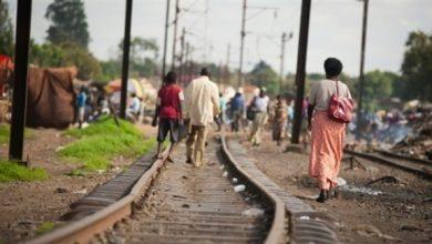 Photo of مقتل 24 شخصاً إثر خروج قطار عن سكته في الكونغو الديموقراطية