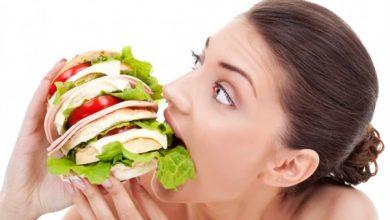Photo of 7 عادات ما قبل النوم تتسبب في زيادة وزنك .. انتبهي