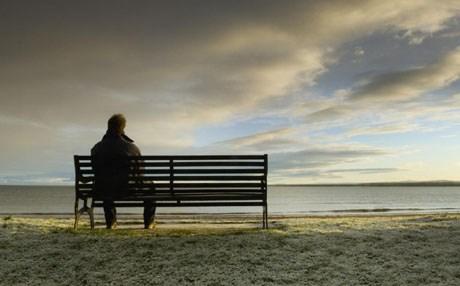 اشعر بالوحدة
