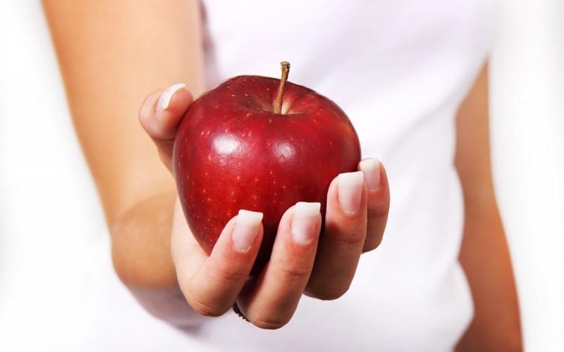 التفاح قبل النوم