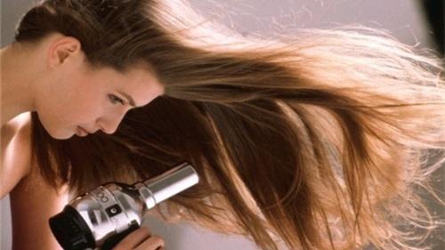 الشعر المنفوش بعد الاستشوار
