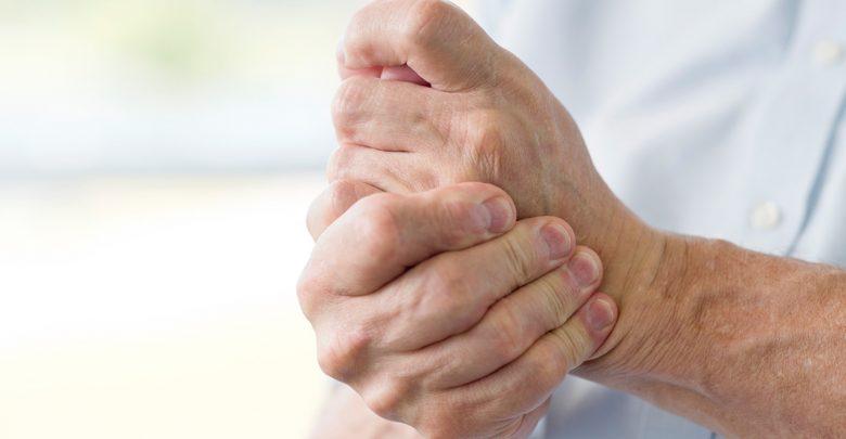 علاج رعشة اليد بالأعشاب
