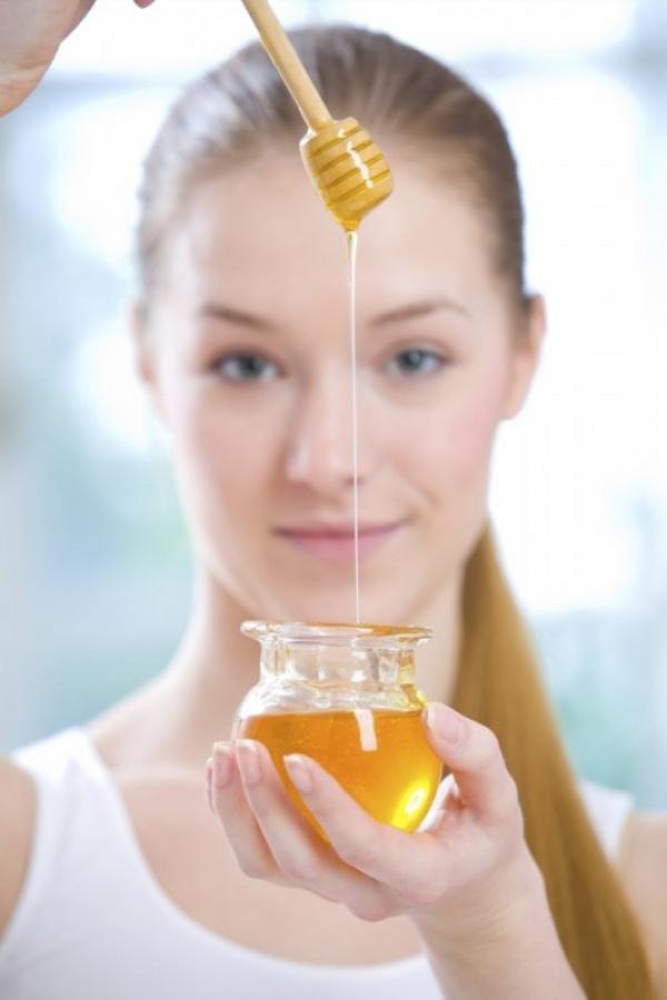 فوائد قناع العسل للوجه