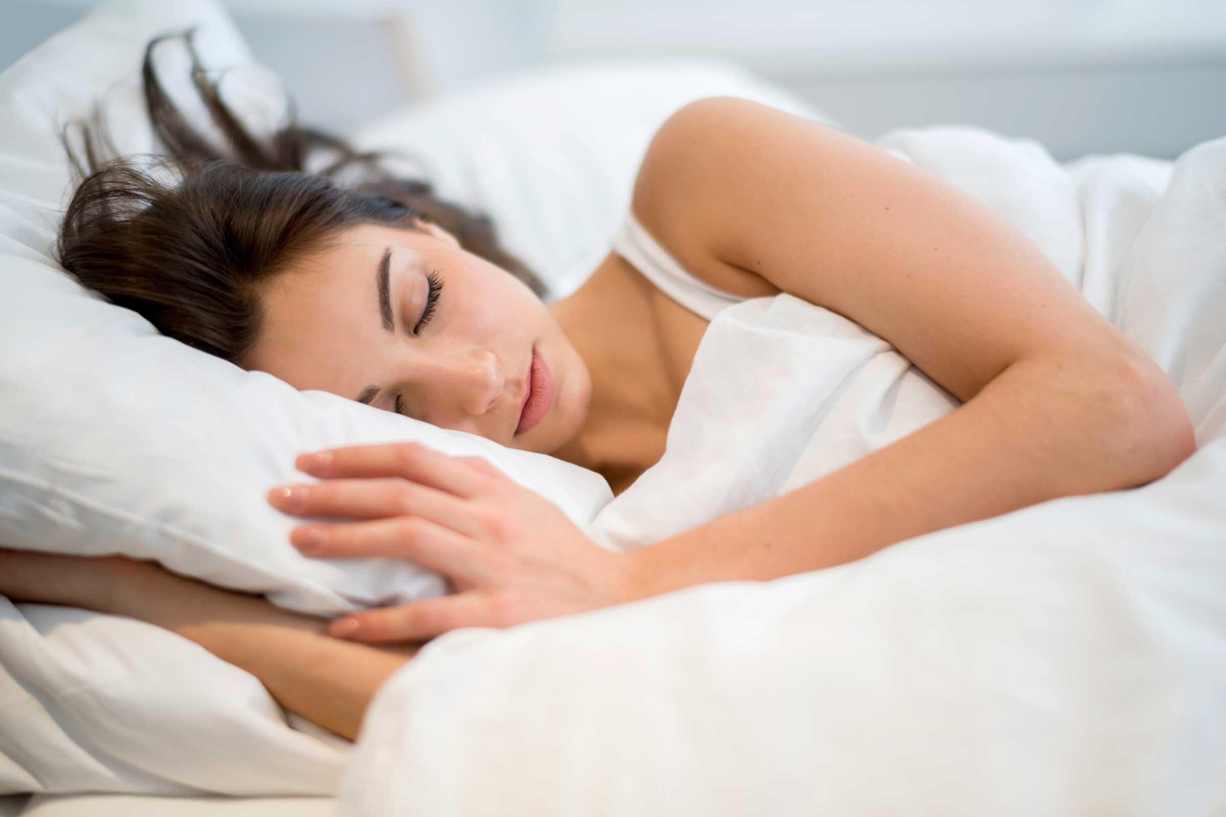 فوائد النوم ليلا