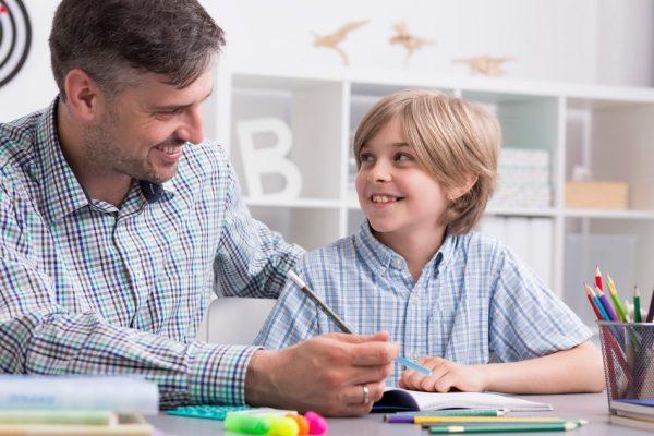كيف يمكنني ان اساعد ابني المصاب بفرط الحركة مع قلة الانتباه