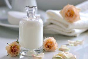 فوائد اللبن للبشرة