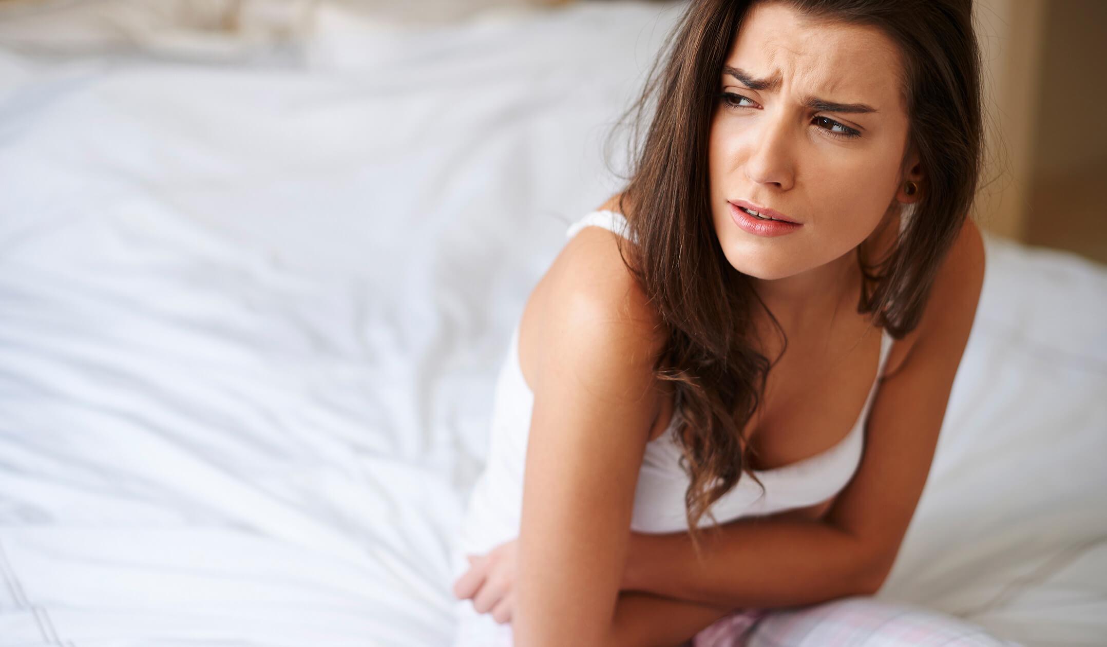 أعراض الكيس على المبيض الأيسر