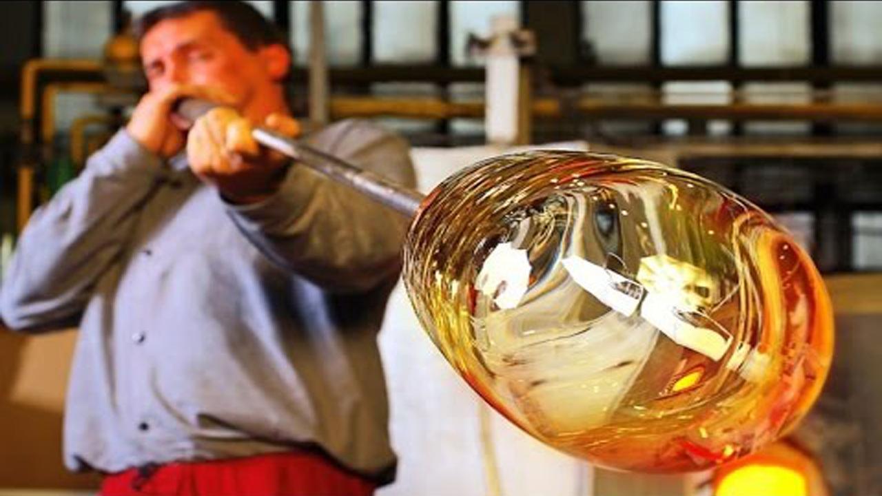 ما هي طريقة صنع الزجاج