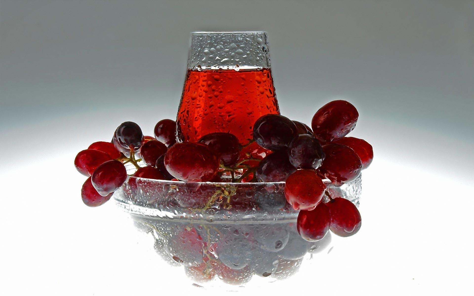 أهمية تناول عصير العنب