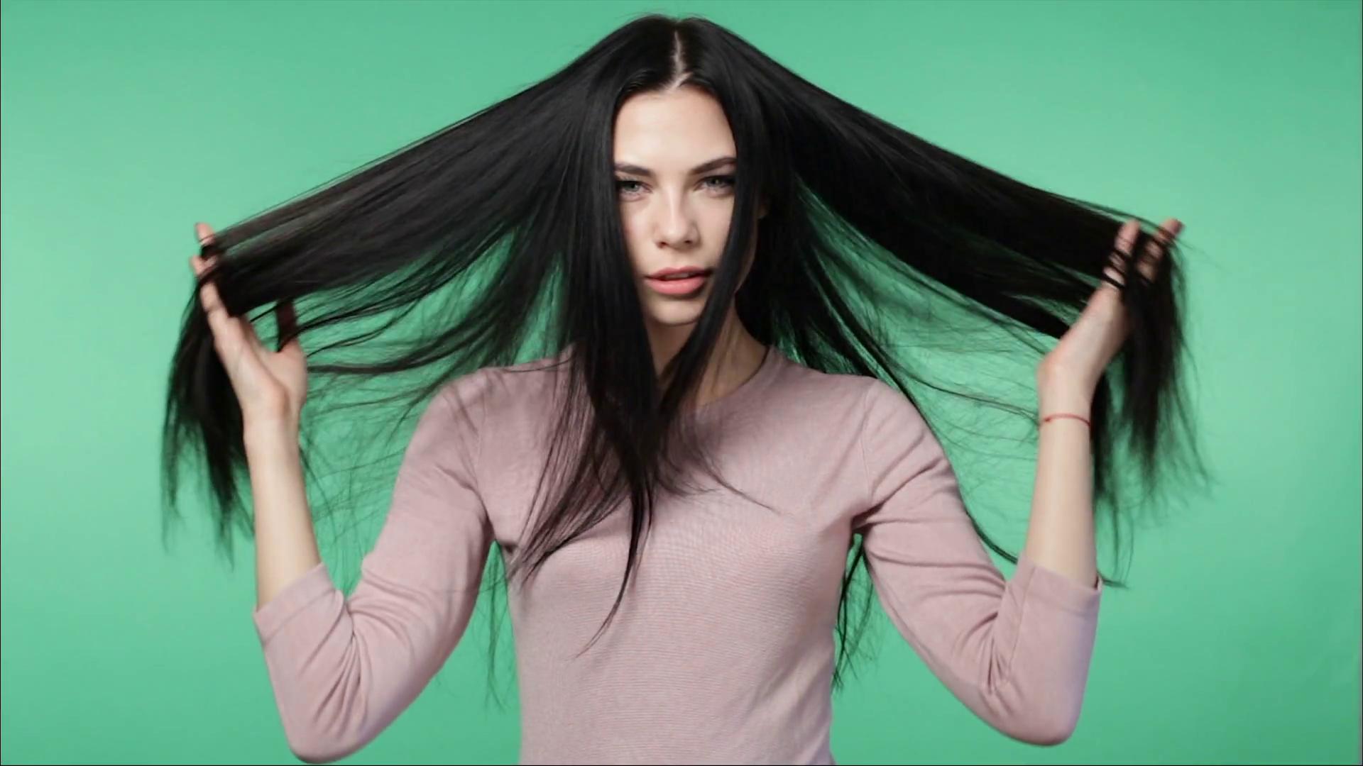 افضل فيتامينات لتطويل الشعر وتكثيفه بسرعة