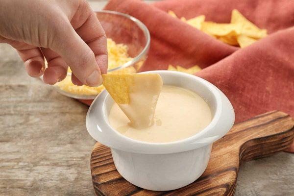 أضرار الجبنة السائلة على جسم الإنسان
