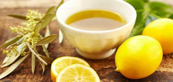 عصير الليمون وزيت الزيتون