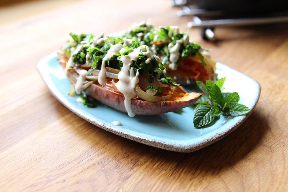 قوارب البطاطس باللحم