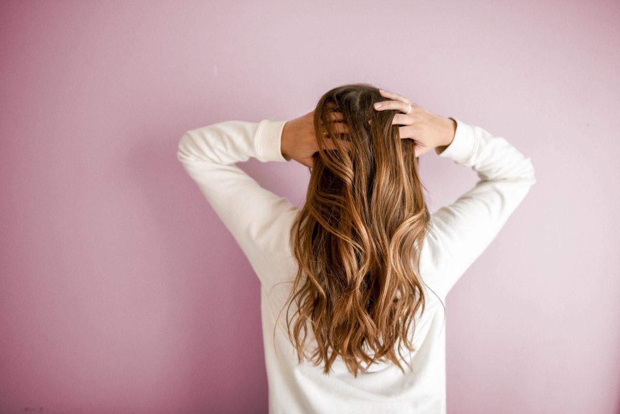 وصفات لتطويل الشعر بالزيوت الطبيعية
