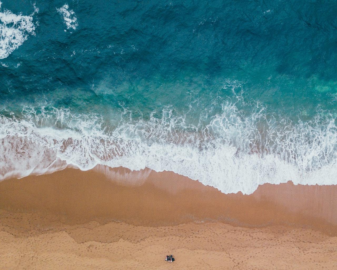 فوائد مياه البحر للبشرة
