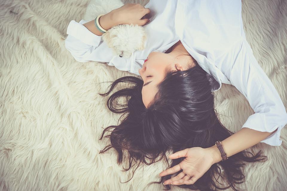 علاج الكلام أثناء النوم سريعا