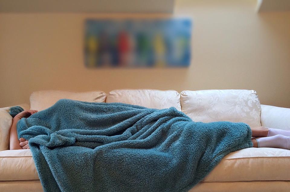 الكلام والحركة أثناء النوم