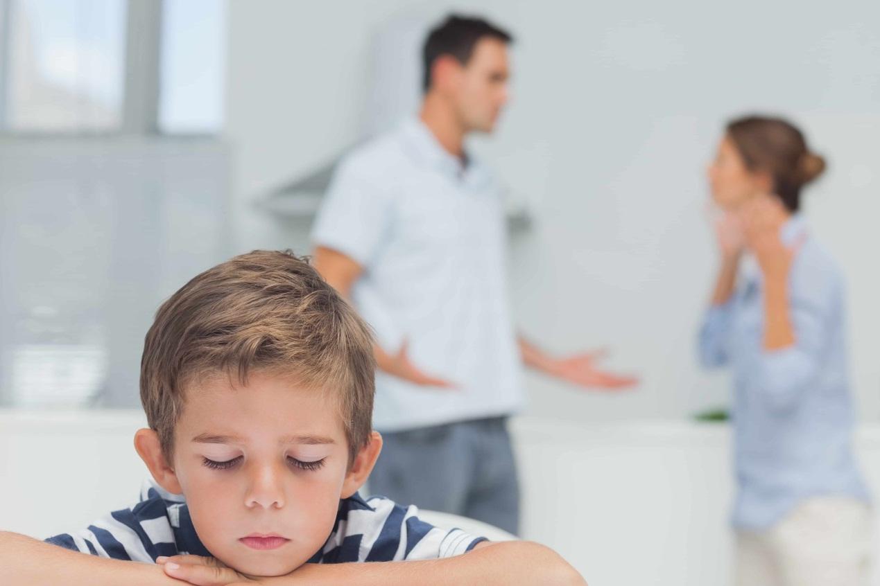 معاملة الطفل العنيد