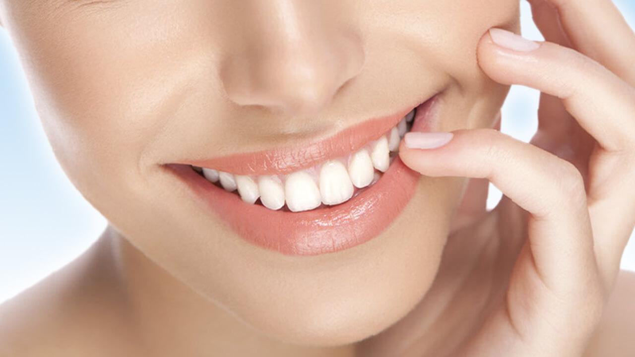 طرق العناية بالاسنان