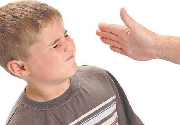 سلبيات الضرب على الأطفال