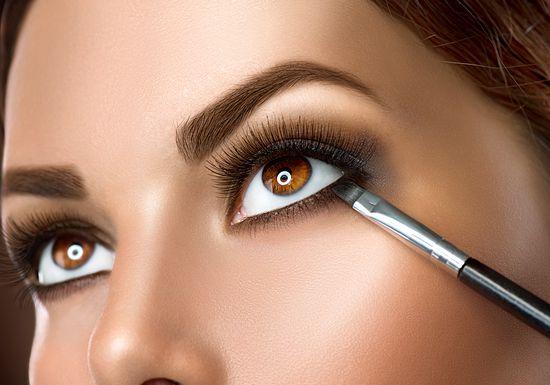 طريقة وضع مكياج العيون