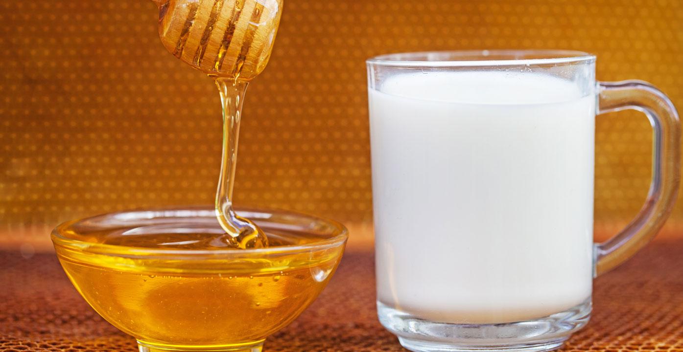 ماسكات سريعة من الحليب المجفف لتبييض الوجه .