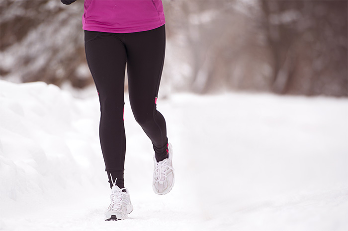 فوائد المشي في فصل الشتاء