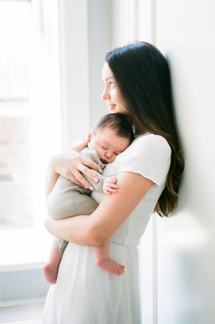 كيف يميز الرضيع امه