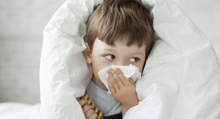 الأنفلونزا عند الأطفال الأسباب والعلاج